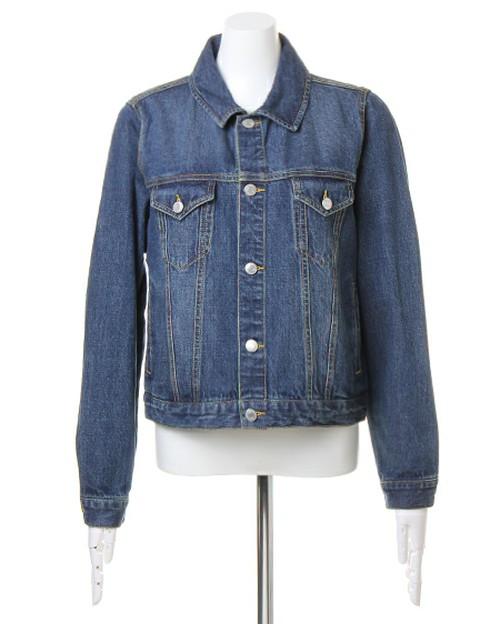 デニムのジャケットは、○○と合わせるとちょうどいい!